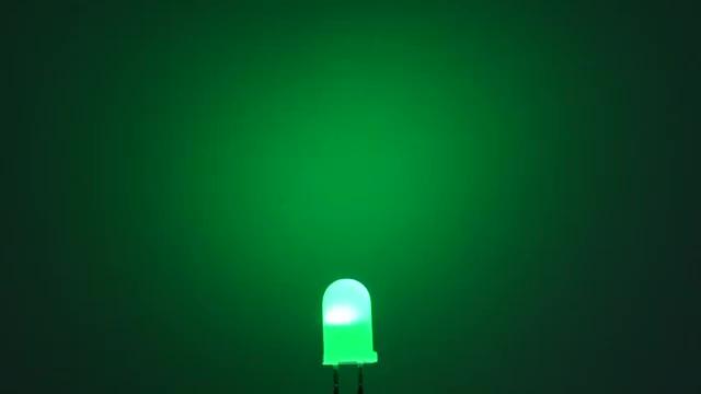 Vorschau: OptoSupply LED, 5mm, blinkend, 2500-7000mcd, 30°, 1.8Hz, diffus, rot/grün